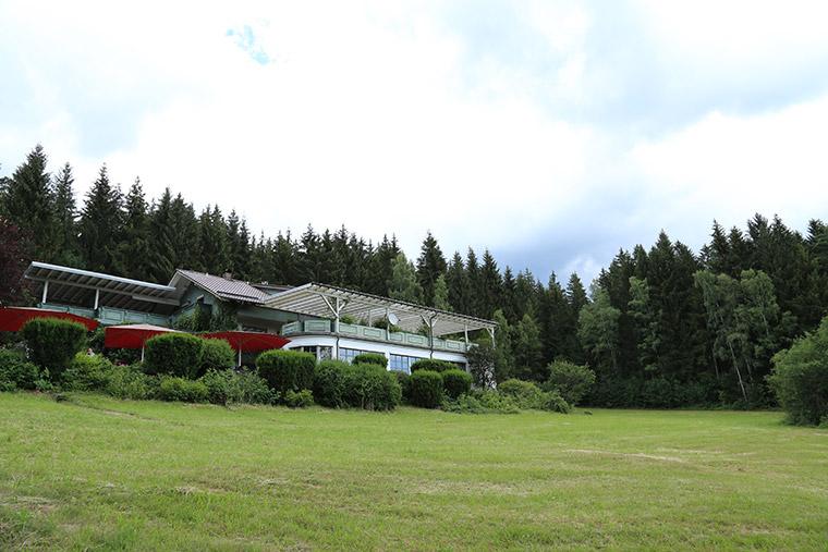 Aussicht auf das Café im Bayerischen Wald