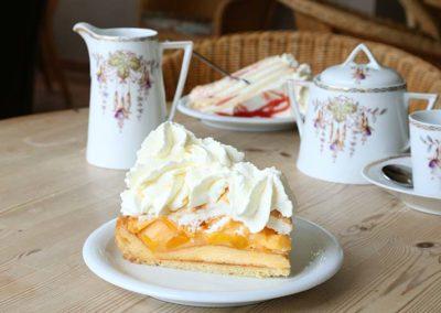 """Frische Kuchen im Café """"Zum Sahneberg"""""""