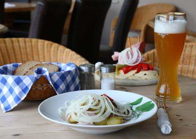 "Wurstsalat im Café ""Zum Sahneberg"""